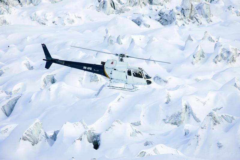 Hélicoptère du Népal